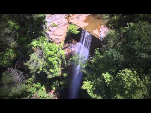 Drone buzzes beautifull waterfall in Helensburgh, south of Sydney!