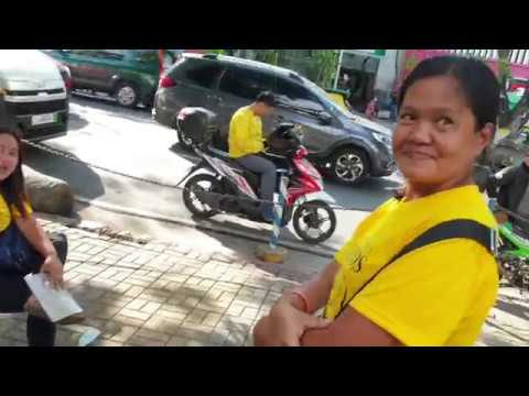 Walking the streets of Manila Philippines!
