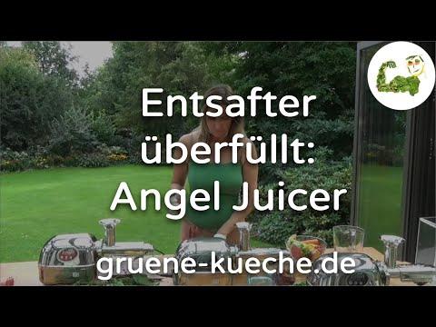 Der Angel Juicer sollte beim Entsaften nicht überfüllt werden. Heike demonstriert, was mit dem Entsafter beim Überfüllen passiert.