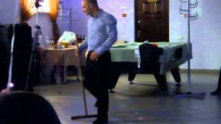 Эротический танец свидетеля на свадьбе УДИВИЛ ВСЕХ ГОСТЕЙ. Танец со шваброй