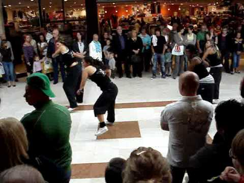 Demo ragga temps danses urbaines salon de la danse ville for Youtube danse de salon
