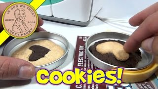 Easy Bake Oven, 2007 Hasbro Toys - Making Sugar And Chocolate Cookies With Heart Shaped Centers