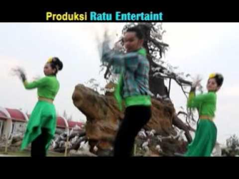 Ipank - DUDUAK MAMANDANG BULAN  ♪♪ Official Music Video - APH ♪♪