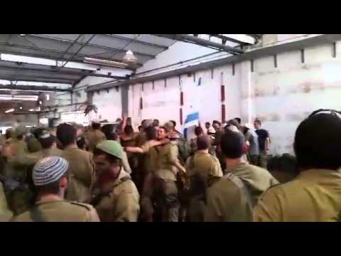 The Breslover Chasidim's NaNach Brigade Dancing with IDF Soldiers Before Heading Into Gaza