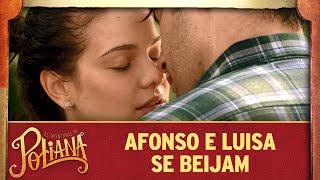 Luisa e Afonso se beijam   As Aventuras de Poliana