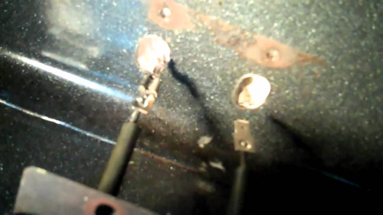 replacing an electric oven bake element with a burnt wire connection [ 1280 x 720 Pixel ]