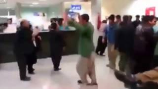 Video Crazy Knife Fight at Hospital on Persian New Year's Day download MP3, 3GP, MP4, WEBM, AVI, FLV Agustus 2018
