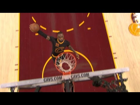 LeBron Throws Down the Windmill on the Break l 12.01.16