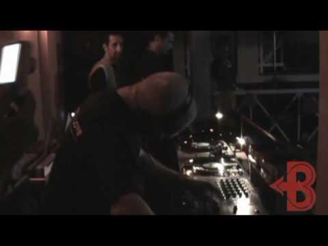 BACK TO LOVE - Sondrio - Deejay Omix mixa 3 pezzi paura!!!