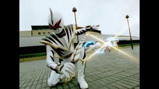 Power Ranger Dino Trueno | Trent se transforma en el Dino Ranger Blanco y lucha contra los Rangers
