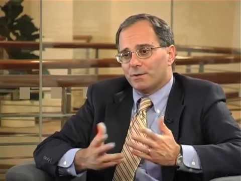 Len Apcar of the International Herald Tribune on the online evolution of newspapers