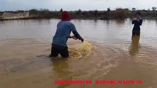 Survival Skills Primitive best small fish trap net for lake on youtube ( fishing videos in cambodia
