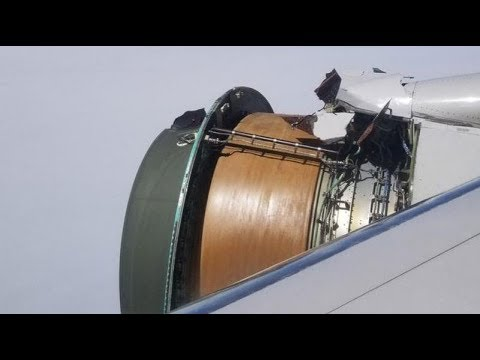 A United Airline's Engine Tore apart Over The Ocean