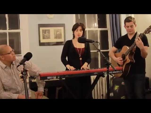 """Walk-up Sessions"": Two Hearts Performed LIVE by Jodie and The Normals"