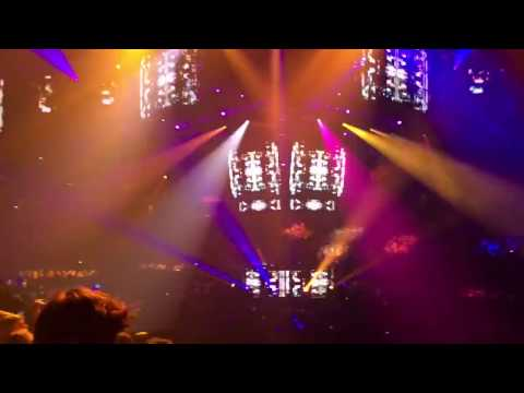 """Bassnectar NYE 2016 Intro """"Teleport Massive"""" + 10 more minutes, absolutely kills it"""