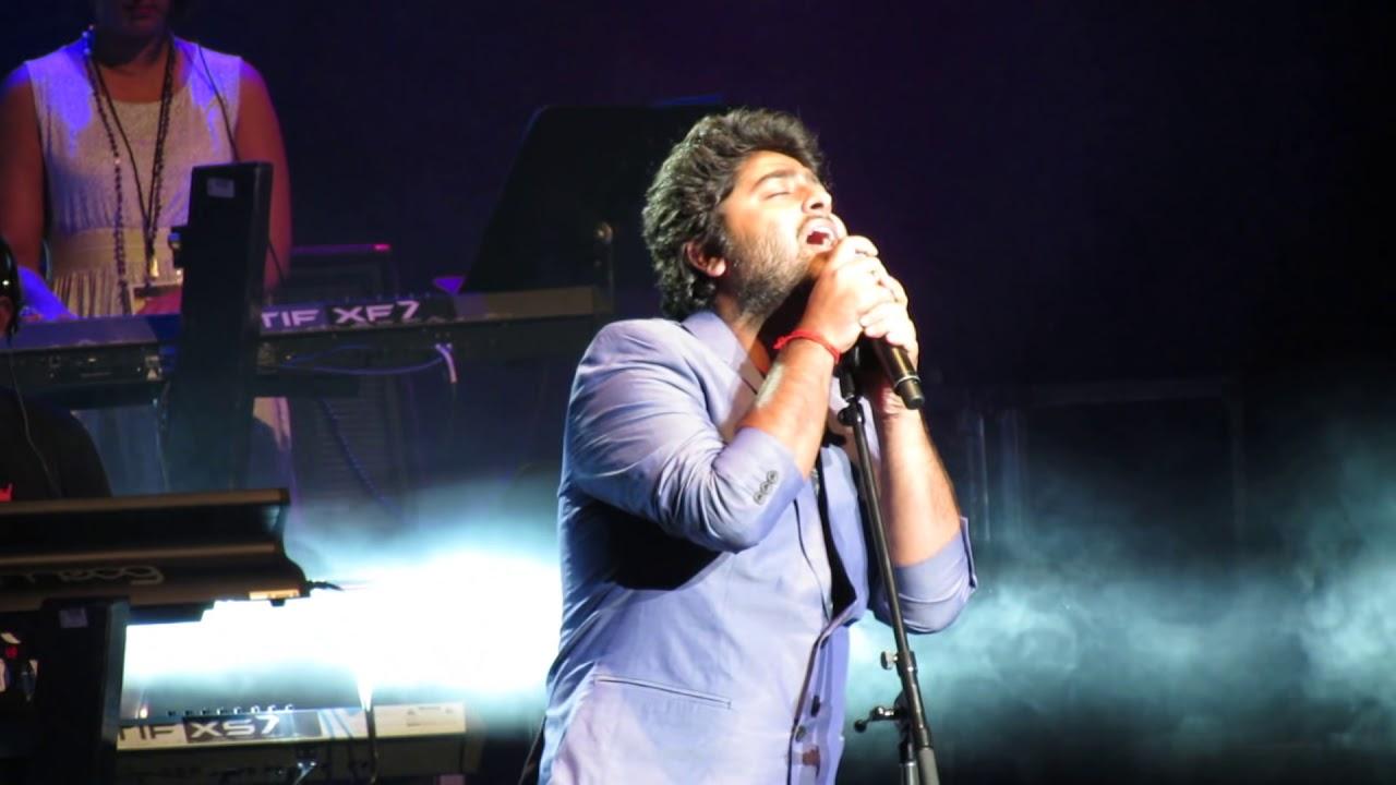 Arijit Singh Singing Tum Hi Ho Live Aashiqui 2