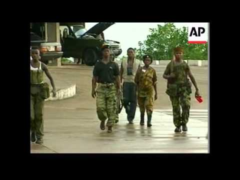 Sierra Leone - Coup leaders open up military hqs