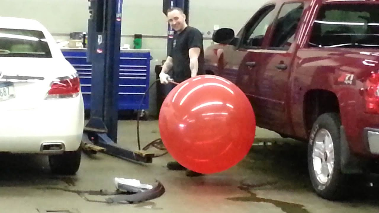 British experimenter exploded in a giant inflatable balloon