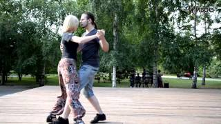 Урок движения. Уличное танго на площади. Тренер Николай Гончаров