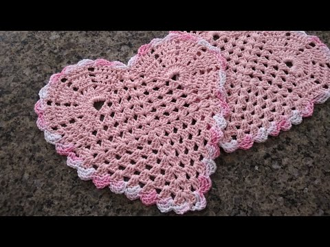 Sousplat (toalhinha) de coração em crochê para decorar sua mesa! #mesaposta #diadosnamorados