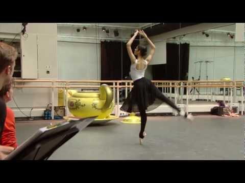 Christopher Wheeldon rehearses Alice