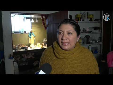 La doctora de los santitos restaura al Niño Dios en su sótano de Chicago