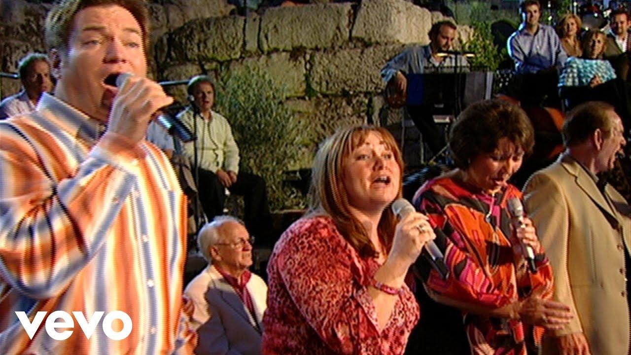 bill-gloria-gaither-jerusalem-live-ft-the-hoppers-gaithervevo