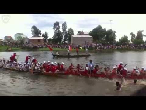 Lễ hội đua thuyền trên sông Kiến Giang- Bơi vòng loại ngày 30/8/2015