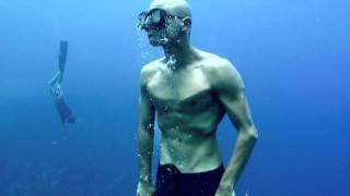 Repeat youtube video Freediving on Bonaire, Dutch Caribbean