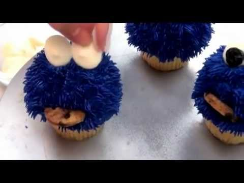 How To Pipe Cookie Monster Cake
