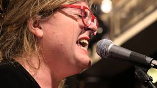 Kimono - Lee Harvey Oswald (Live on KEXP)