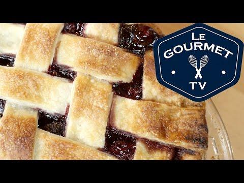 Cherry Pie with Lattice Top Recipe - LeGourmetTV