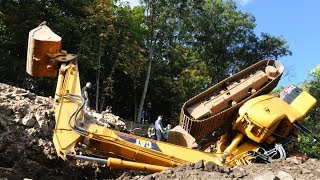 Extremely Dangerous Operator Excavator Fails ! Idiots Heavy Equipment Accidents Compilation