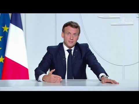 Франция из-за стремительного распространения COVID-19 с пятницы возвращается в режим самоизоляции.