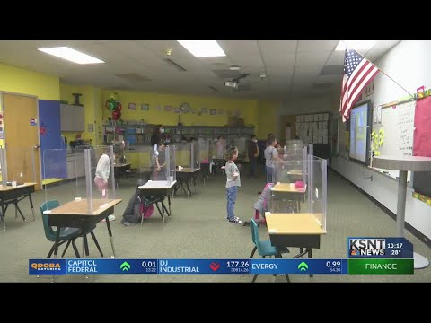 Scott Dual Language Magnet teacher receives Kansas Horizon Award