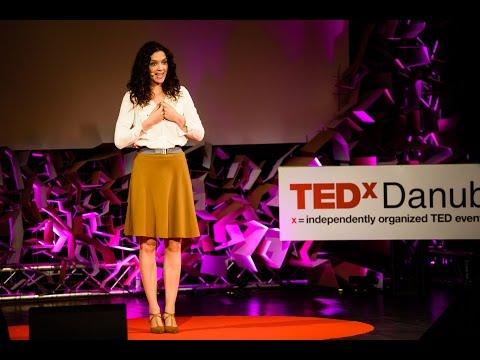 A tanári pálya márpedig menő | Andrea Joós | TEDxDanubia