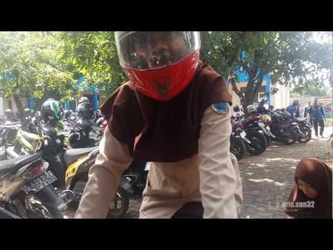 Gokil Cewe Hijab Naik Motor Drag