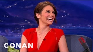 Lauren Cohan Used To Practice Rolling Joints With Green Tea thumbnail