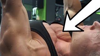 BRUSTTRAINING mit GERÄTEN - Brust RICHTIG trainieren im Fitnessstudio!