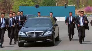 Download Video 12 Pengawal Berlari Iringi Kim Jong-un Pulang ke Korut MP3 3GP MP4