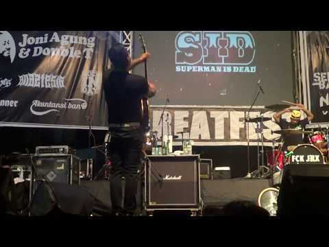 GREATFEST #5 - SUPERMAN IS DEAD - POPPIES DOG ANTHEM (live HD)
