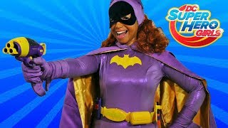 DC Super Hero Girls Batgirl Blaster & Utility Belt ! || Toy Review || Konas2002