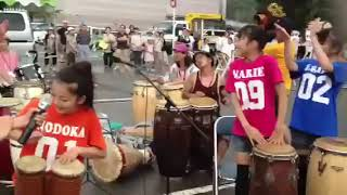 ライブ終了後、打楽器に合わせてノリノリORI☆ちゃんたち.