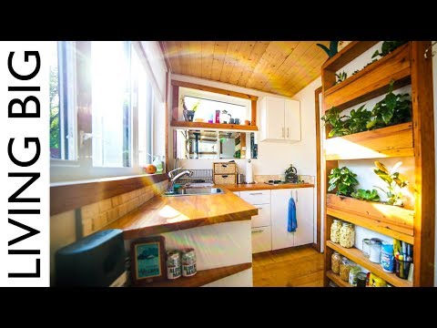 Firefighter's Earthship Inspired Off-Grid Urban Tiny House