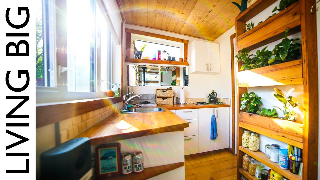 Tiny Home Designs: Firefighter's Earthship Inspired Off-Grid Urban Tiny House