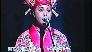 《黄金三星》ジャン・ジェンホワ(姜建華)が二胡(erhu)で 伴奏する珍...