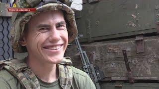 """Украинские военные """"троллят"""" боевиков на Донбассе"""