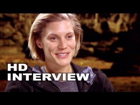 "Riddick: Katee Sackhoff ""Dahl"" On Set Interview"
