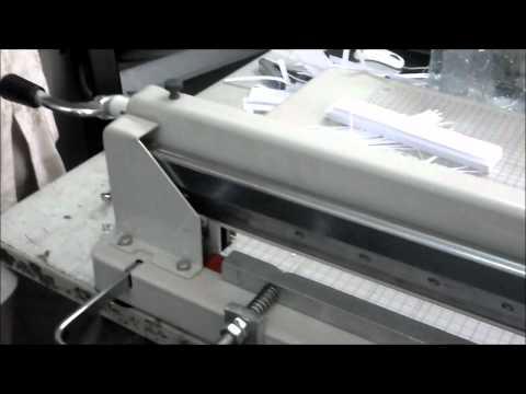 Máy cắt sợi làm tranh giấy xoắn.wmv