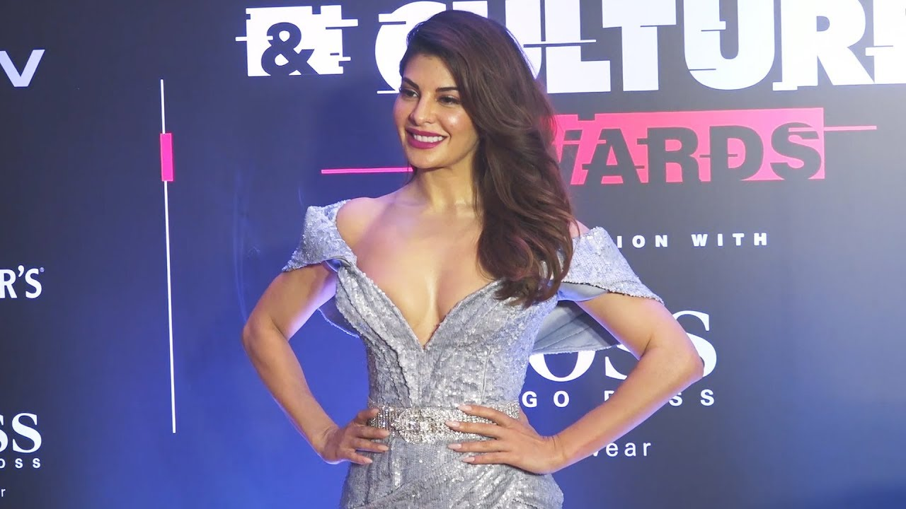 Stunning Jacqueline Fernandez पहुंची GQ Style & Cultural Awards 2019 -  YouTube